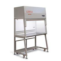 Kabine für biologische Risiken / für Labors / mit Fußgestell / mit vertikalem Laminarfluss