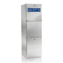 Reinigungs- und Desinfektionsgerät / für Bettschüsseln / wandmontiert / Wasserenthärtungs-Dosierpumpe / mit Dampferzeuger