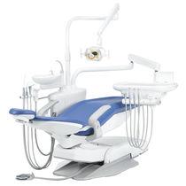Dentale Behandlungseinheit / mit hydraulischem Stuhl / mit Instrumententräger / mit Licht