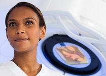 Partikel-Linearbeschleuniger / Radiotherapie / stereotaktische Röngenchirurgie / mit vollautomatisierter Positioniertisch