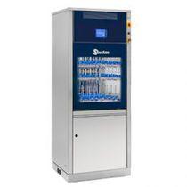 Reinigungs- und Desinfektionsgerät / für Labors / für Glasware / mit Fußgestell / Frontlader