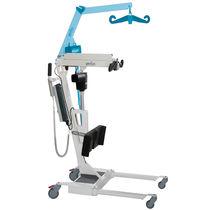 Elektrischer Patientenlifter / auf Rollen