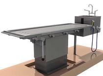 Nekropsie-Tisch / für Autopsie / höhenverstellbar / Waschbecken