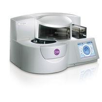 Automatisches biochemisches Analysegerät / kompakt