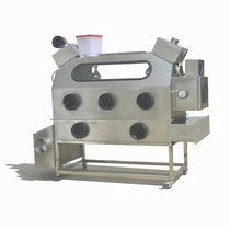 Isolator / Klasse III / mit Fußgestell / Edelstahl / Typ Handschuhfach