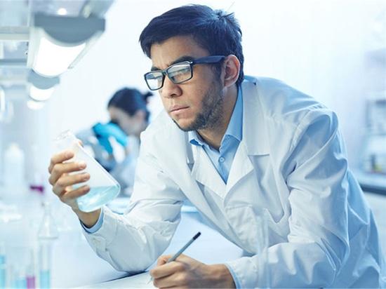 Russische Chemiker machen neue Entdeckung in der Förderung des zahnmedizinischen Materials