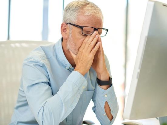 Schlafmangel lädt Niveaus von Alzheimer Proteinen auf
