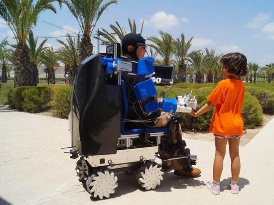 Roboterarme und temporäre Motorisierung - die nächste Generation von Rollstühlen