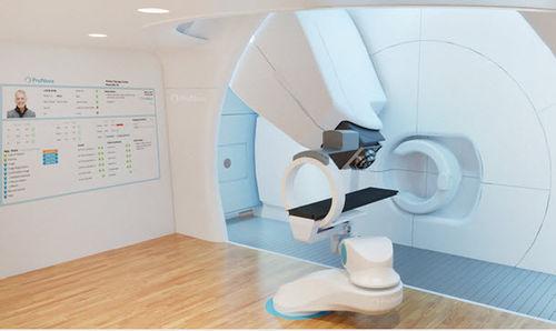 Zyklotron für Protonentherapie mit integriertem Röntgenscanner / mit vollautomatisierter Positioniertisch / mit integriertem PET-Scanner