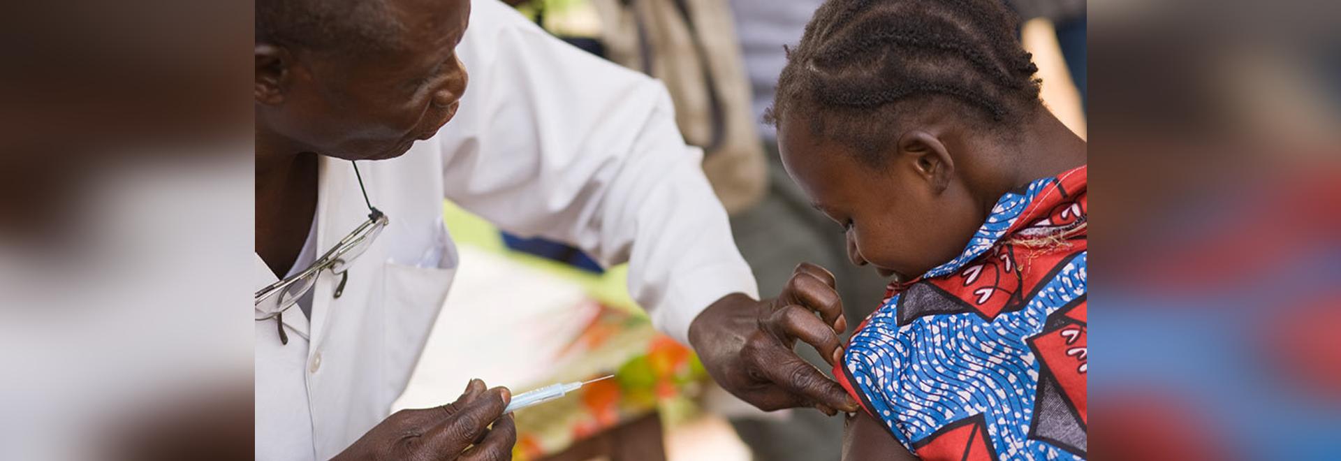WHO empfiehlt 1. Malaria-Impfstoff der Welt