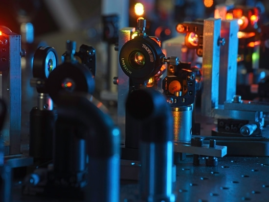 Ultraschnelles Laser-System passend für Integration in Mikroskopie-Lösungen